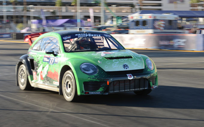 volkswagen-beetle-grc-in-las-vegas-2014-in-motion