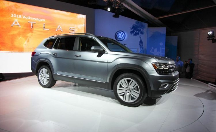 2018-volkswagen-atlas-reveal-103-876x535