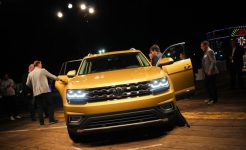 2018-volkswagen-atlas-reveal-108-876x535